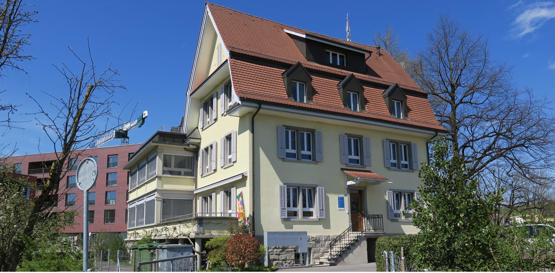 Haus Katholische Kirche Zug Sunnematt